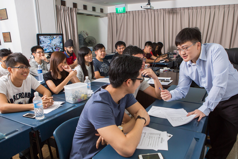 Economics Cafe offer Best Strategies for JC Economics Tuition Needs